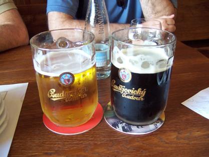 Budweiser negra, la Budejovicky Budvar