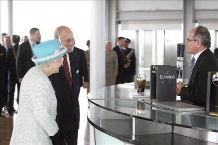 Isabel II y su esposo rechazan la Pinta Perfecta