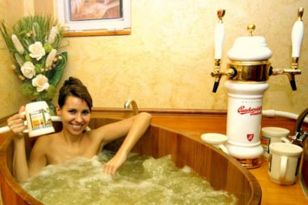 Bañarse en cerveza en un hotel europeo